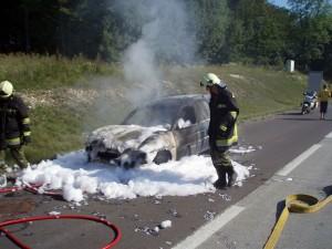 2007-08-26-fahrzeugbrand-westautobahn