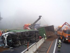 2007-10-10-verkehrsunfall-westautobahn-1