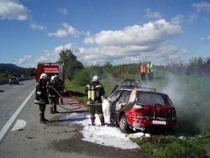 2013-09-11-fahrzeugbrand-westautobahn-regau