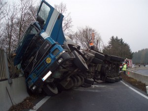 2013-12-13-verkehrsunfall-westautobahn-steyrermuehl